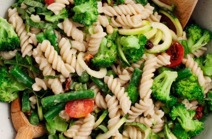 broccoli tahini pasta700x460